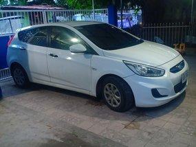 Sell White 2014 Hyundai Elantra Hatchback in Angeles