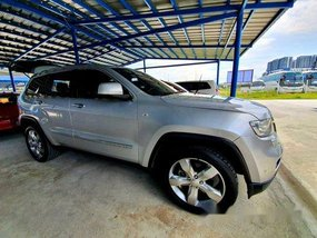 Silver Jeep Grand Cherokee 2012 for sale in Makati