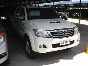 White Toyota Hilux 2015 at 35111 km for sale