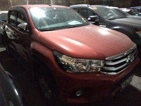 Selling Orange Toyota Hilux 2017 in Makati