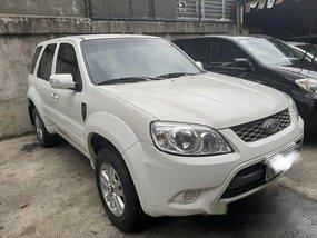 Selling White Ford Escape 2012 in Rizal
