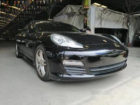 Selling Black Porsche Panamera 2011 Automatic Gasoline at 25356 km