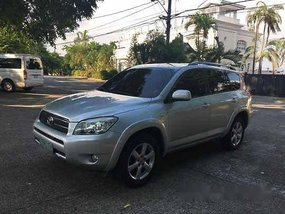 Silver Toyota Rav4 2006 at 70000 km for sale