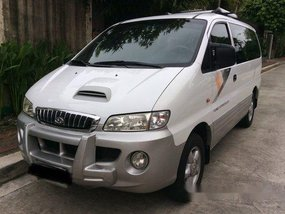 White Hyundai Starex 2002 for sale in Quezon City