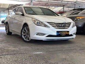 White Hyundai Sonata 2010 Automatic Gasoline for sale in Makati