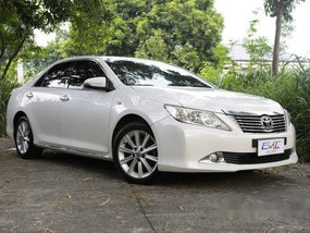 White Toyota Camry 2012 at 144000 km for sale