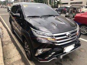Selling Black Toyota Rush 2018 at 2500 km