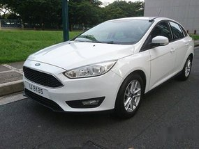 Sell White 2016 Ford Focus at 28000 km