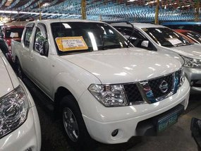 Sell White 2013 Nissan Frontier Navara at 28717 km