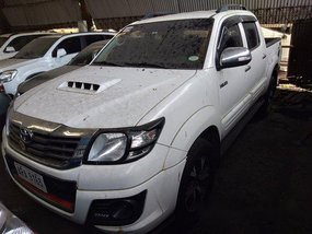 White Toyota Hilux 2015 Manual Diesel for sale