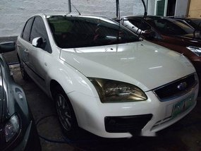 Sell White 2005 Ford Focus in Quezon City