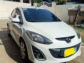 White Mazda 2 2011 at 74000 km for sale