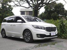 Sell White 2016 Kia Grand Carnival Automatic Gasoline at 58000 km