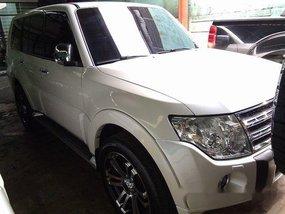 Selling White Mitsubishi Pajero 2010 Automatic Diesel