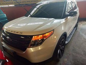 Selling White Ford Explorer 2015 in Quezon City
