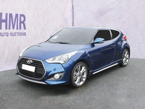 Selling Blue Hyundai Veloster 2016 Automatic Gasoline at 8740 km