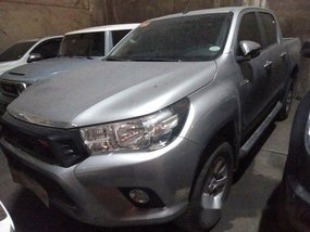 Selling Silver Toyota Hilux 2018 Automatic Diesel at 12000 km
