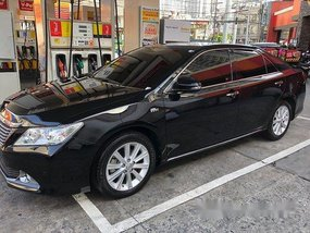 Selling Black Toyota Camry 2015