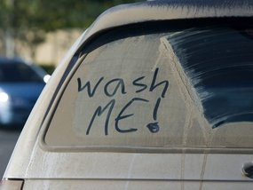 8 steps to clean your car using common household items