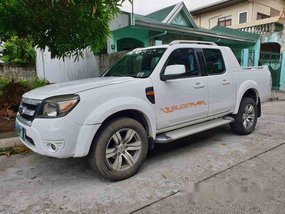 Selling White Ford Ranger 2011 at 60000 km