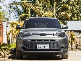 Grey Kia Soul 2016 at 35000 km for sale