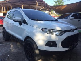 Selling White Ford Ecosport 2018 Manual at 10800 km