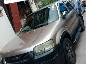 Selling 2nd Hand Ford Escape 2005 in Quezon City