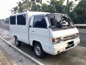 Selling White Mitsubishi L300 2007 Van in Lipa