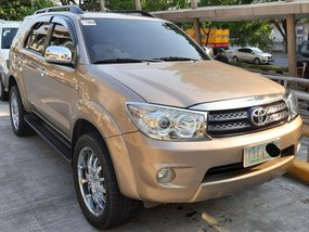 Selling Used Toyota Fortuner 2011 Automatic Gasoline