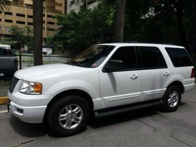 White Ford Expedition 2003 for sale in Pasig