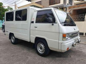 White Mitsubishi L300 2016 at 30000 km for sale