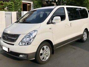 Sell White 2015 Hyundai Grand Starex at 4600 km