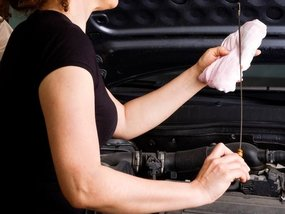 What drivers need to know when not changing engine oil