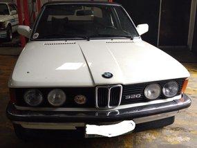 Selling White Bmw 320I 1991 Automatic in Makati