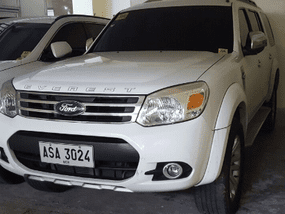 Selling White Ford Everest 2014 Automatic Diesel