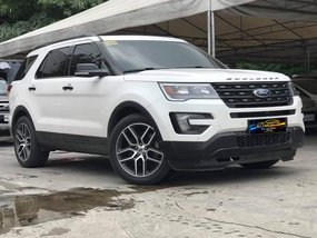 Sell White 2016 Ford Explorer at 30000 km in Quezon City