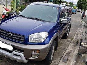 Selling Blue Toyota Rav4 2002 Automatic Gasoline
