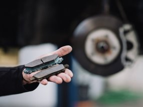 Organic vs Ceramic brake pads - Which one is the best for your car?