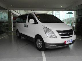 White 2014 Hyundai Starex Automatic Diesel for sale