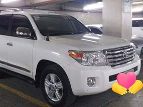 Selling White Toyota Land Cruiser 2012 Automatic in Davao City