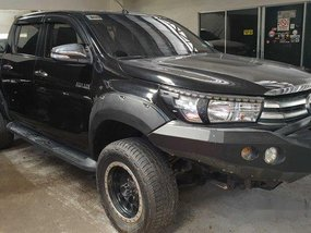 Selling Black Toyota Hilux 2016