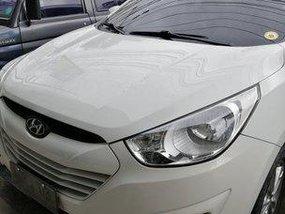 White Hyundai Tucson 2011 Automatic Gasoline for sale