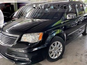 Selling Black Chrysler Town And Country 2013 Automatic Gasoline