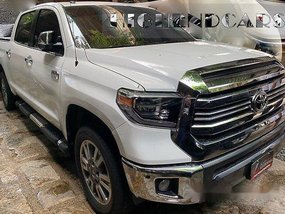 White Toyota Tundra 2018 at 10000 km for sale