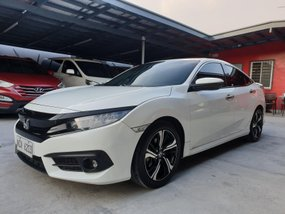 Selling White Honda Civic 2016 RS Turbo Automatic in Las Pinas