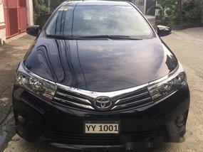 Selling Black Toyota Corolla Altis 2016 at 42000 km