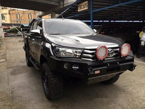 Selling Toyota Hilux 2016 Manual Diesel