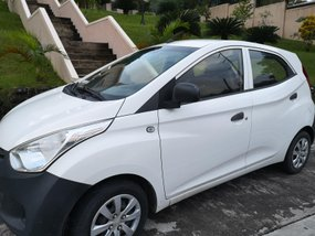 Sell White 2012 Hyundai Eon Hatchback in Laguna
