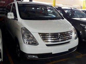 Sell White 2015 Hyundai Grand Starex at 44971 km