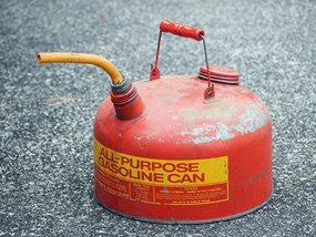 8 things you must know to dispose of old gasoline in a safe way